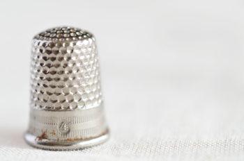 Couture : accessoires et tissu en lin, lot de 5 images haute résolution libres de droits à télécharger / Textile, Travail, Délicat, Fil, Aiguille, Coudre