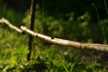 Petite clôture en bois, image haute résolution libre de droit à télécharger pour identité visuelle, communication et décoration.Champêtre Campagne Nature