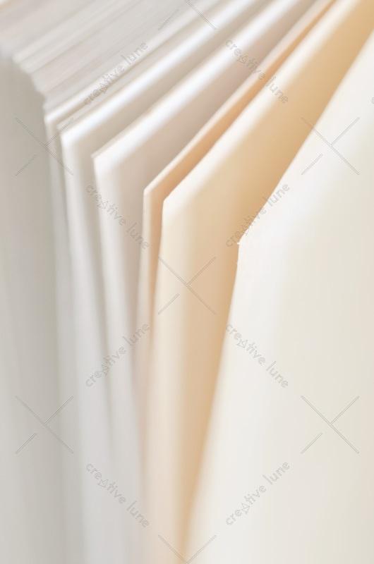 Pages de cahier : détail du papier • Photo Libre de droit à télécharger / Image de pages de cahier et texture de papier - Creative Lune : Banque d'images