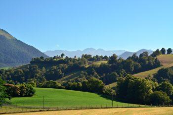 Paysage pyrénéen et vallée d'Ossau • Photo Béarn libre de droits à télécharger / Paysage des Pyrénées en été - Image originale Creative Lune